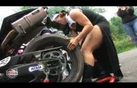 Les filles aussi font de la moto