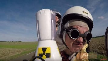 DOC & MARTY VISITENT LE FUTUR DE LA MOTO ► THE MAKING OF